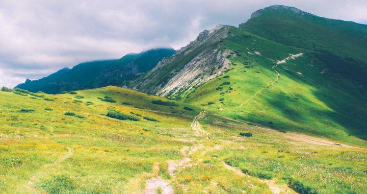 landscape-mountains-nature-hiking
